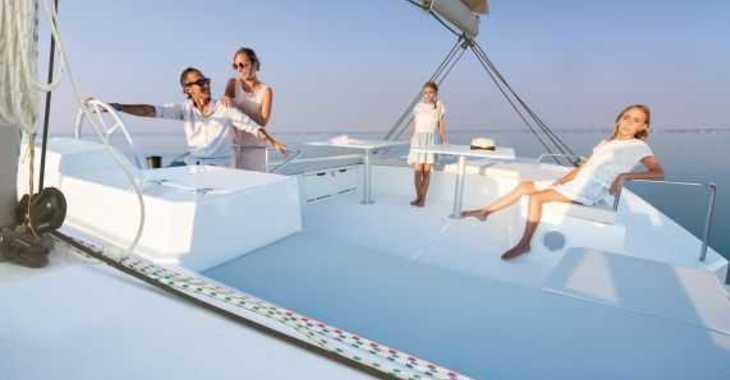 Rent a catamaran in Palm Cay Marina - Bali 5.4 Luxe