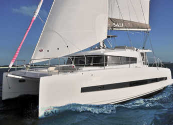 Rent a catamaran in Palermo - Bali 4.1