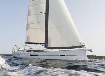 Rent a sailboat in Marina di Portorosa - Dufour 520 Grand Large