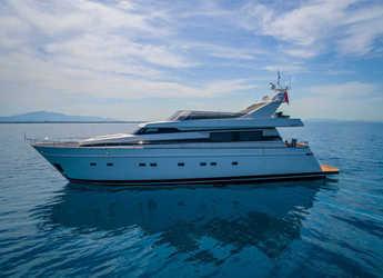 Rent a yacht in Marina di Cannigione - Cantieri di Pisa Akhir 85