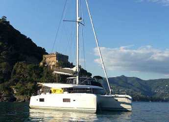Rent a catamaran in Marina Porto Antico - Lagoon 42