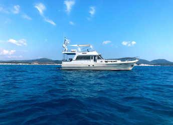 Rent a yacht in Cala dei Sardi - Waverunner 55
