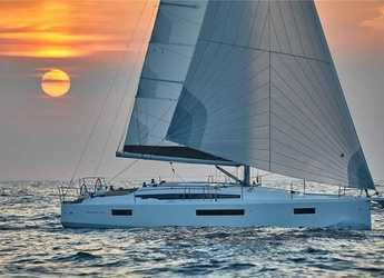 Rent a sailboat in Cecina - Sun Odyssey 410 (3Cab)