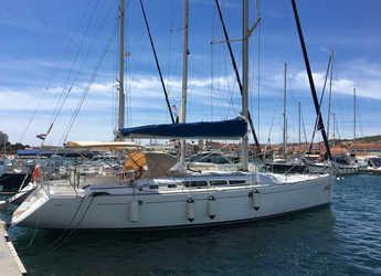 Rent a sailboat in Marina Betina - Sun Odyssey 49