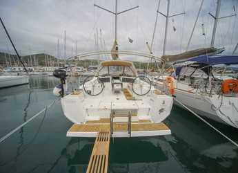 Rent a sailboat in Marina Sudcantieri - Oceanis 48