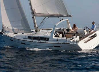 Chartern Sie segelboot in Marina di Portorosa - Oceanis 41.1