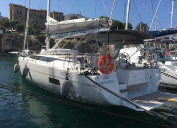 Rent a sailboat in Marina di Villa Igiea - Bavaria C45