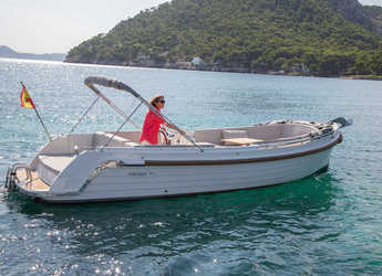 Rent a dinghy in Port of Pollensa - Interboat INTENDER 700