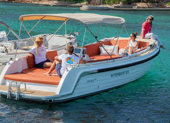 Rent a dinghy in Port of Pollensa - Interboat INTENDER 820