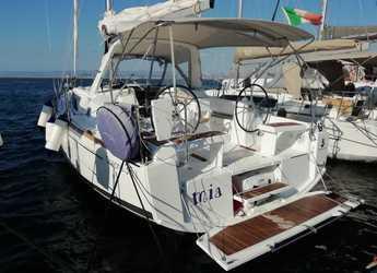 Rent a sailboat in Carloforte - Oceanis 35.1