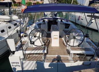 Rent a sailboat in Marina di Portorosa - Oceanis 35.1