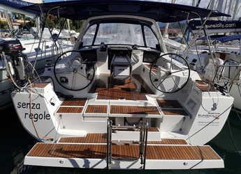 Rent a sailboat in Marina di Portorosa - Oceanis 45