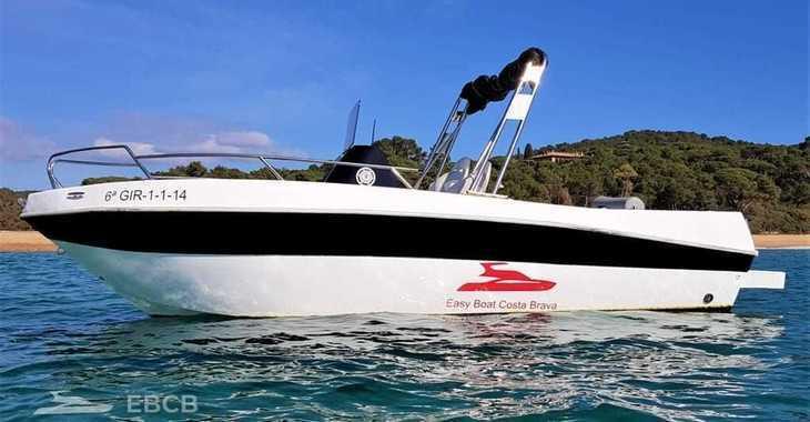 Rent a motorboat in Club Nautic Costa Brava - Shiren 22 Open