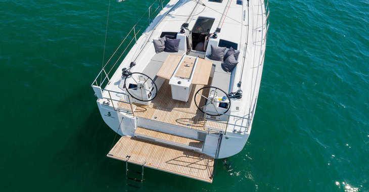 Rent a sailboat in Marina el Portet de Denia - Beneteau Oceanis 40.1