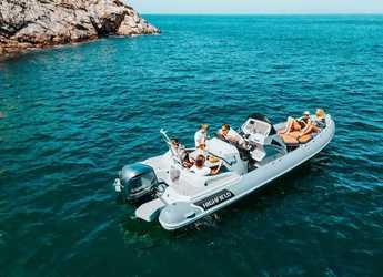 Rent a dinghy in Port Mahon - Highfield 800 Sport
