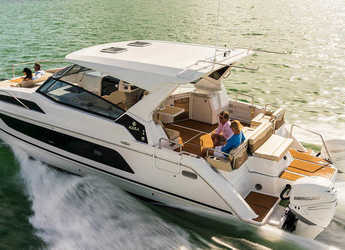 Rent a power catamaran in Compass Point Marina - Aquila 36