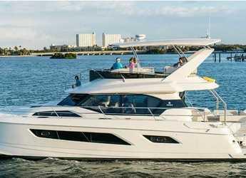 Rent a power catamaran in Compass Point Marina - Aquila 44 - 4 + 1 cab.