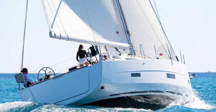 Rent a sailboat in Harbour View Marina - Dufour 430 GL