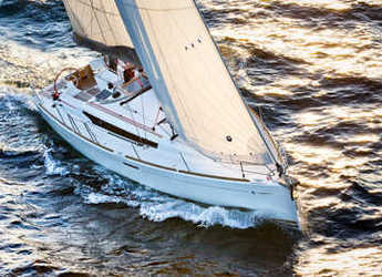 Rent a sailboat in Harbour town marina - Sun Odyssey 379 - 2 cab.