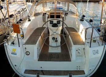 Rent a sailboat in Marina di Portisco - Bavaria Cruiser 32