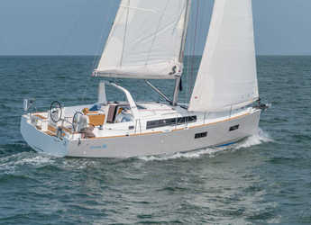 Rent a sailboat in Port of Pollensa - Oceanis 38
