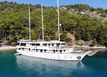 Rent a yacht in Split (ACI Marina) - Motoryacht