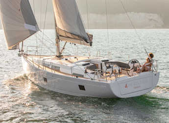 Rent a sailboat in Port Lavrion - Hanse 458