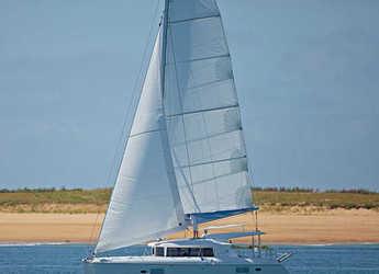 Rent a catamaran in Placencia - Lagoon 421 - 4 + 1 cab.