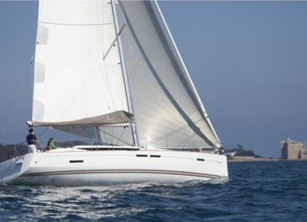Rent a sailboat in Marina Real Juan Carlos I - Jeaneau Sun Odissey 439