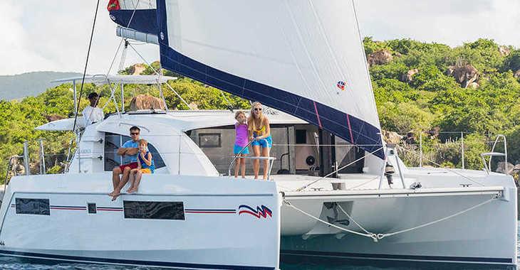 Rent a catamaran in Paradise harbour club marina - Moorings 4000 (Exclusive)