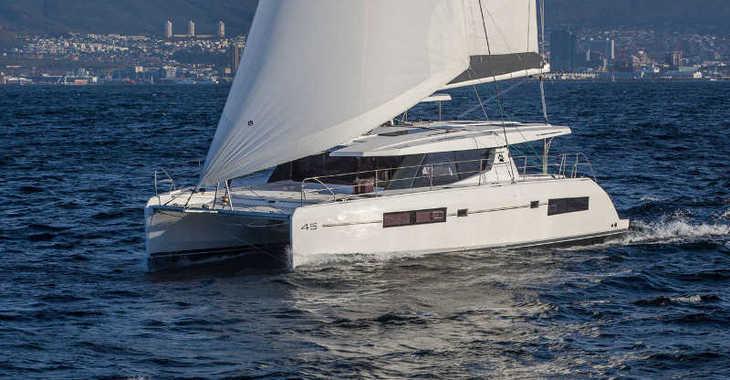 Rent a catamaran in Paradise harbour club marina - Moorings 4500L (Exclusive Plus)