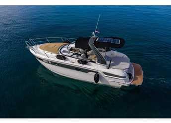Rent a motorboat in Yacht kikötő - Tribunj - Bavaria 29 Sport