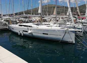 Chartern Sie segelboot in SCT Marina Trogir - Dufour 460 GL - 5 cab.