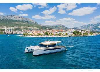 Rent a power catamaran  in Trogir (ACI marina) - Luna 49 Power
