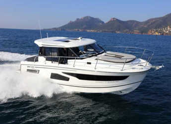 Rent a motorboat in Marina Zadar - Merry Fisher 1095