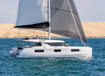 Alquilar catamarán en Marina Frapa - Lagoon 46 (2021) powered by GIN HVAR equipped with generator, A/C (saloon+cabins), ice maker, dishwasher, 2 electric scooter, knee board, 2 SUP, SUP windsurf, donut, snorkelling equipment