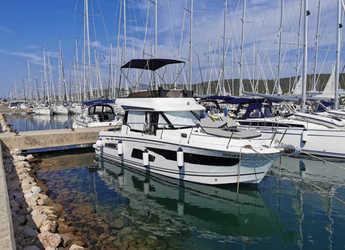 Rent a motorboat in Marina Sukosan (D-Marin Dalmacija) - Merry Fisher 1095 FLY