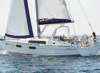 Rent a sailboat in Marina di Procida - Moorings 352 (Club)