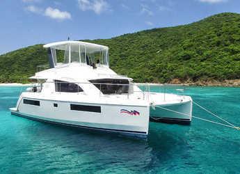 Rent a power catamaran  in Marina Zeas - Moorings 434 PC (Club)