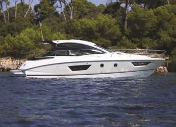 Rent a motorboat in Veruda - Beneteau GT40