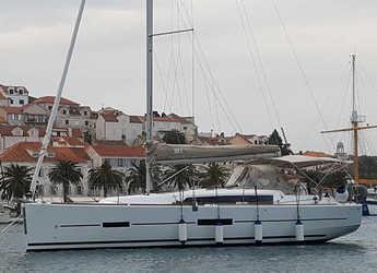 Rent a sailboat in Marina Kremik - Dufour 382 Grand Large