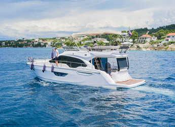 Chartern Sie yacht in Stobreč Port - Sessa Fly 47