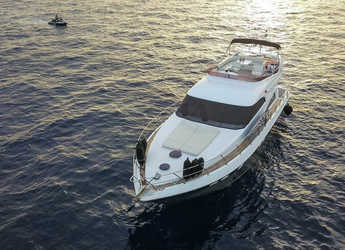 Chartern Sie yacht in Port Lavrion - Fairline Squadron 55