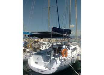 Rent a sailboat in Patras - Oceanis 31