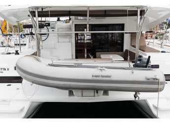 Rent a catamaran in Marina Zeas - Lagoon 42