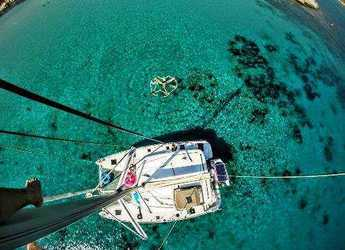 Alquilar catamarán en Milos - Lagoon 400 S2