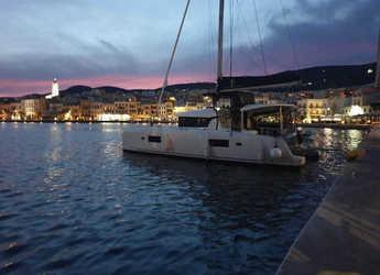 Rent a catamaran in Cleopatra marina - Lagoon 42