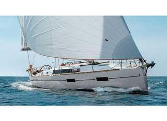 Rent a sailboat in Orhaniye marina - Oceanis 38