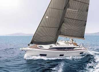Chartern Sie segelboot in Veruda - Bavaria C38