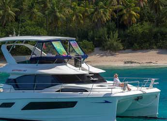 Rent a power catamaran  in Tradewinds - Aquila 44